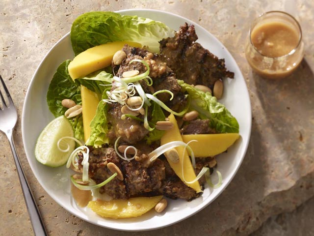 beef and mango salad with peanut dressing